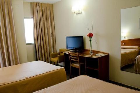 Hotel Castilla Alicante - фото 5