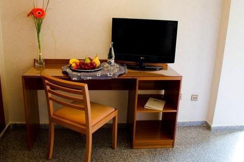 Hotel Castilla Alicante - фото 6