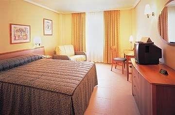 Holiday Inn Alicante Playa de San Juan - фото 1