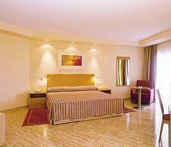 Hotel Sercotel Spa Porta Maris - фото 1