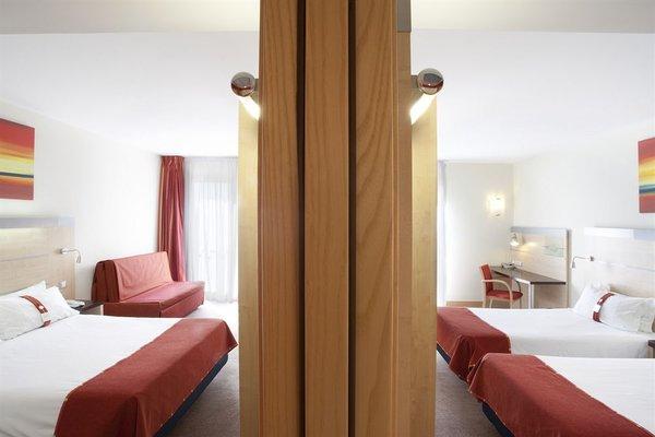 Holiday Inn Express Valencia Bonaire - фото 1