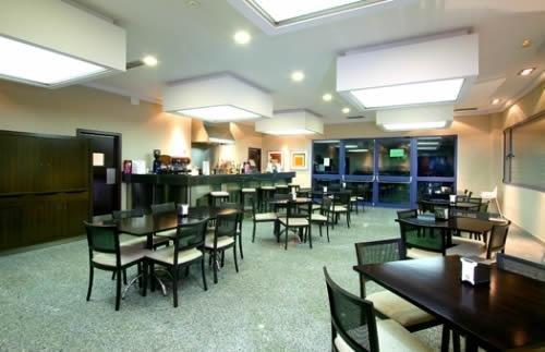 Hotel Puerta de Alcala - фото 10