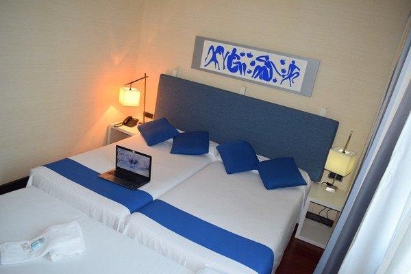 Hotel Puerta de Alcala - фото 3