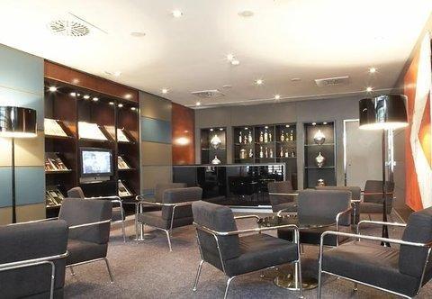 AC Hotel Lleida, a Marriott Lifestyle Hotel - фото 5