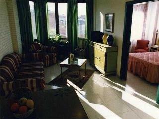 Camparan Suites - фото 2