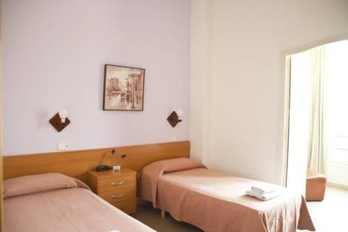 Хостел «Hostal Residencia Mundial», Лерида