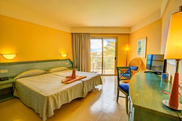 SBH Costa Calma Beach Resort Hotel - фото 2