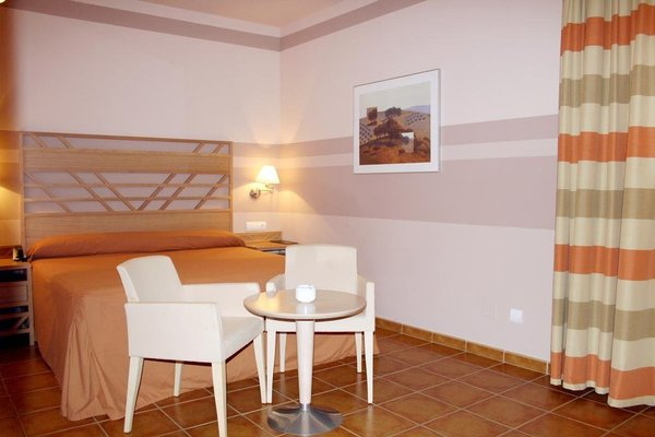 Calamijas Hotel - фото 2