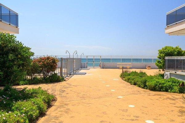 Apartamentos La Riviera - фото 4