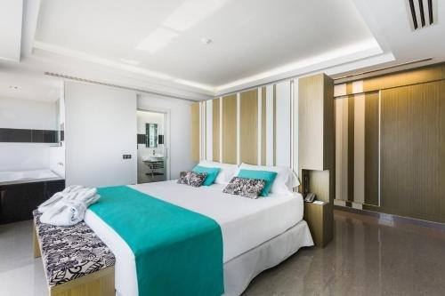 Sirenis Hotel Goleta - Tres Carabelas & Spa - фото 1