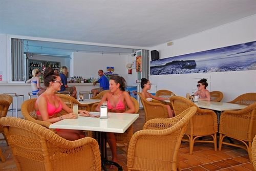 Apartamentos Ferrera Beach - фото 4