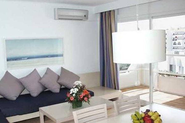 Apartamentos Ferrera Beach - фото 5