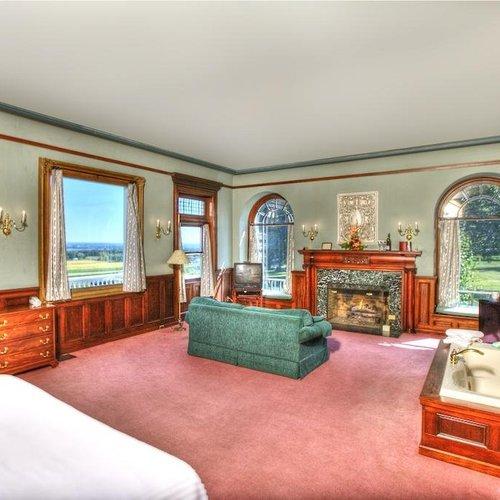 Photo of White Spring Manor