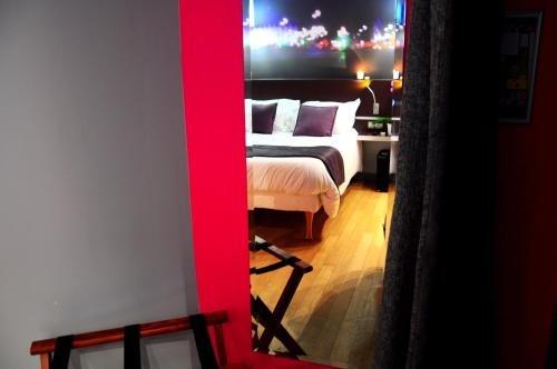 Hotel Lumieres Montmartre Paris - фото 3