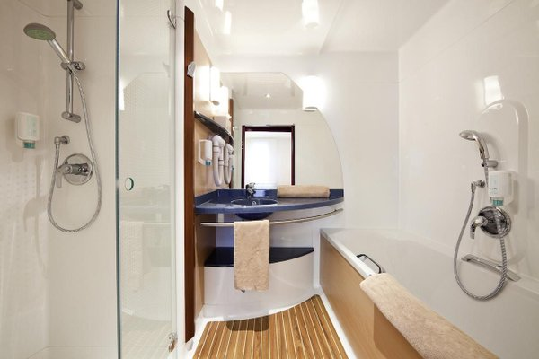 Novotel Suites Paris Montreuil Vincennes - фото 4