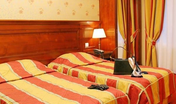 Elysees Niel Hotel - фото 3