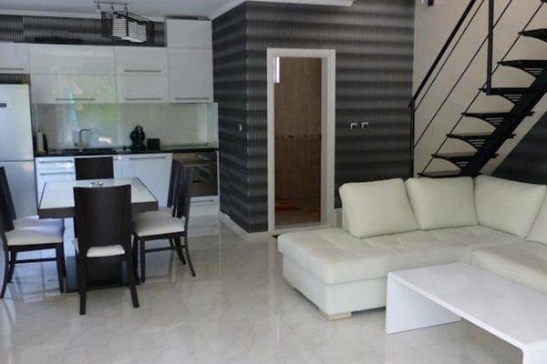 Villa in Complex Elegance - фото 12