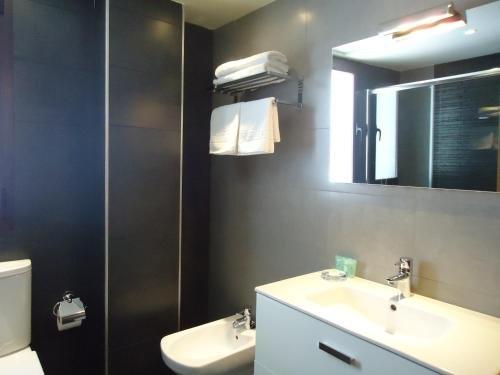 Apartamentos Turisticos Mauror - фото 12