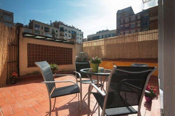 Barcelona 10 - Apartments - фото 17