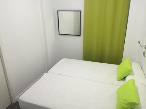 Chameleon Hostel Alicante - фото 1
