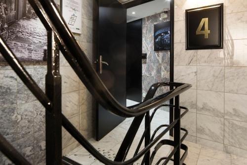 Hotel Montparnasse Saint Germain - фото 18