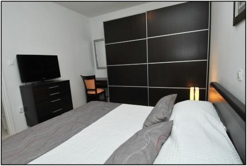 Apartment Karmen - фото 17
