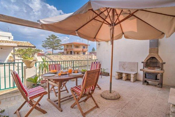 Appartamenti Pomelia Punta Secca - фото 1