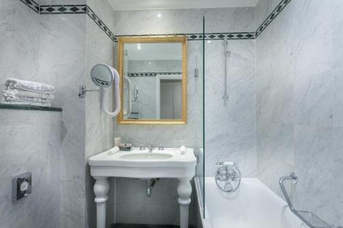 Grand Hotel de L'Univers Saint-Germain - фото 14