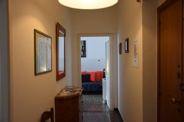 Alexandra Apartment Near Metro - фото 21