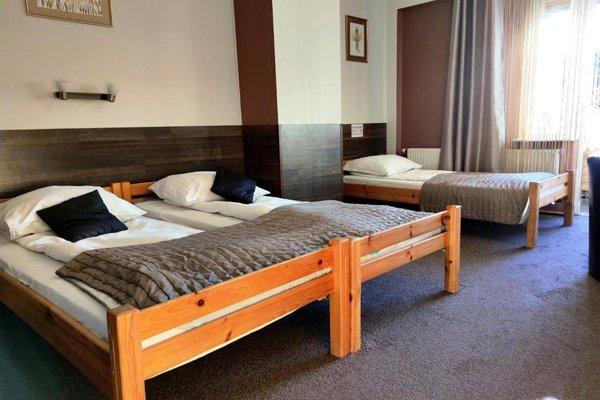 Pokoje Goscinne i Apartamenty Krupowki 19 - фото 1