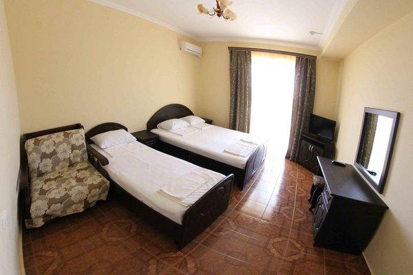 National Hotel - фото 1