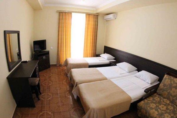 National Hotel - фото 2