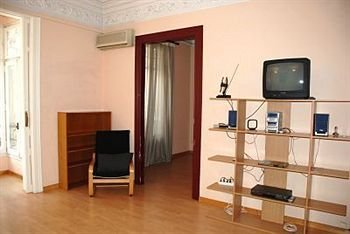 Eixample Center Apartments - фото 13
