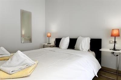 Passeig de Gracia 115 Apartments - фото 2