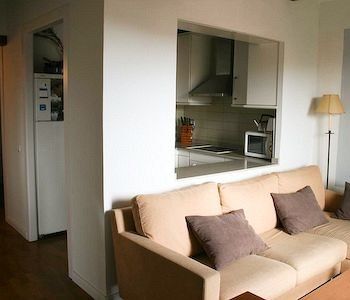 City Center-Ramblas Apartment - фото 3