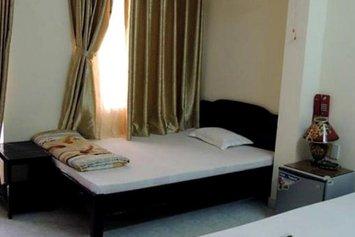 Yen My Hotel