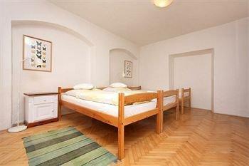 Apartments at the Golden Plough - фото 3