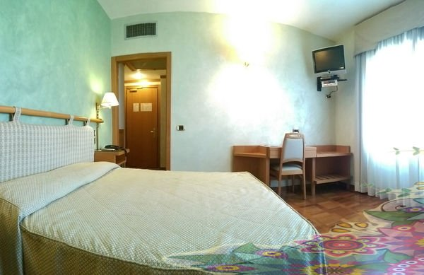 Hotel Meeting - фото 1