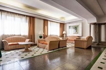 Aris Garden Hotel - фото 4