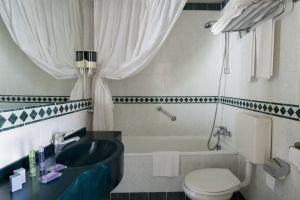 Aris Garden Hotel - фото 6