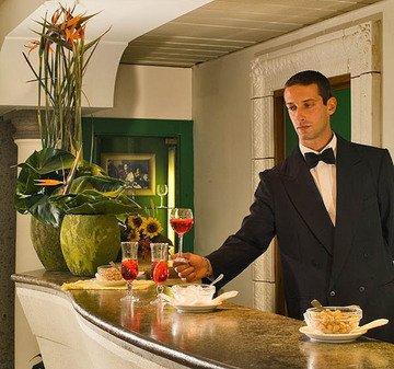 Aris Garden Hotel - фото 8