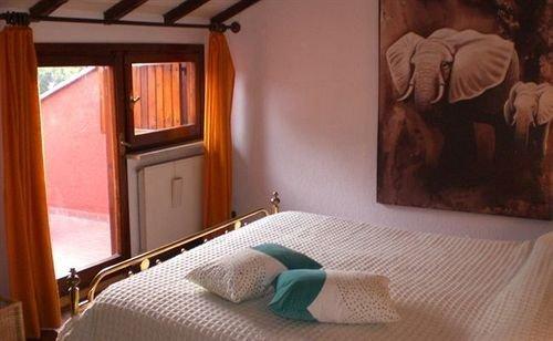 Гостиница «CASALE BELLADONNA», Marcigliana