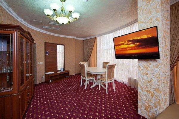 Амичи Гранд  отель - фото 1