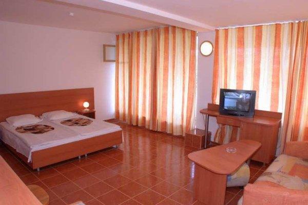 Hotel Pliska - фото 2