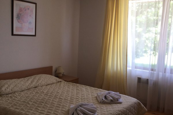 Four Leaf Clover Apartments - фото 1