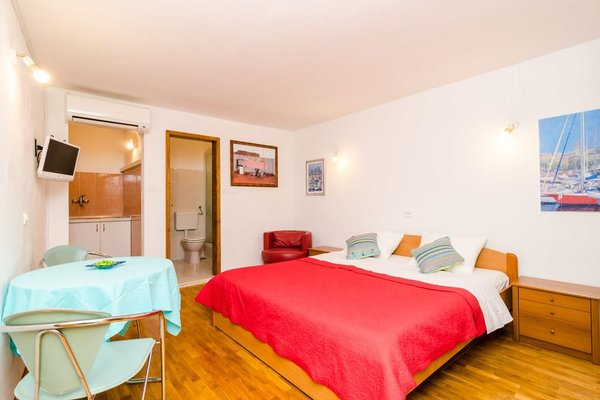 Apartment Peppino - Old Town - фото 1