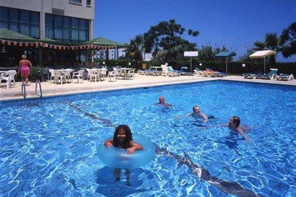 Гостиница «ISAAC», Протарас
