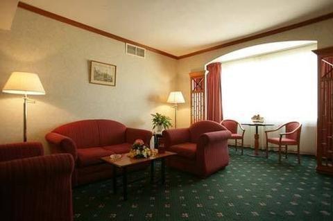 St.George Hotel - фото 8