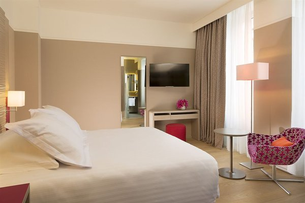 Oceania l'Hotel de France Nantes - фото 1