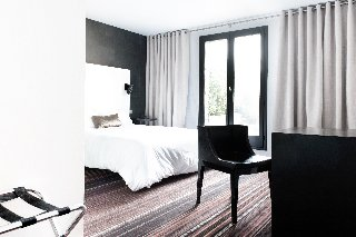 L'Hotel - фото 20